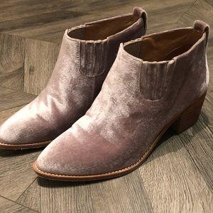 Madewell Grayson Chelsea Boots in Velvet